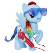 Hasbro E1975100 My Little Pony Großartig singende Rainbow Dash